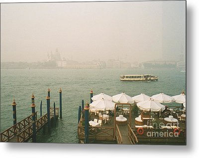 Metal Print featuring the photograph Venise by Jan Daniels