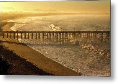 Ventura, Ca Pier At Sunrise Metal Print