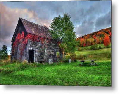 Vermont Red Barn In Autumn Metal Print by Joann Vitali