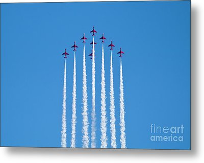 Vertical Arrows Metal Print