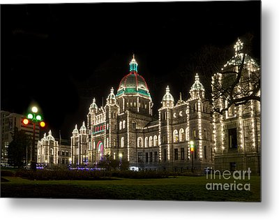 Victoria Parliament Buildings At Night At Christmas Metal Print by Maria Janicki