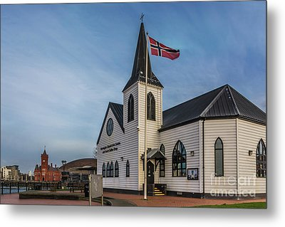 View From The Norwegian Church Metal Print by Steve Purnell