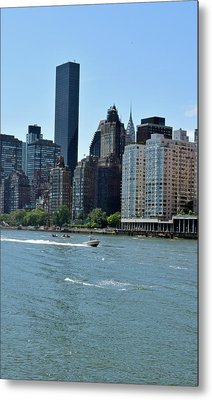 View Of Manhattan From Roosevelt Island Metal Print by Sandy Taylor