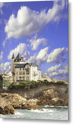 View Of The Beautiful Castle On The Bay Of Biscay Of The Atlantic Ocean Metal Print