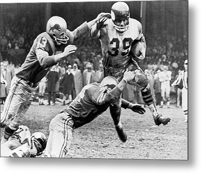 Viking Mcelhanny Gets Tackled Metal Print by Underwood Archives