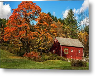Vintage Vermont - Red Barn Metal Print
