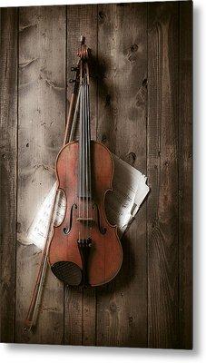 Violin Metal Print by Garry Gay