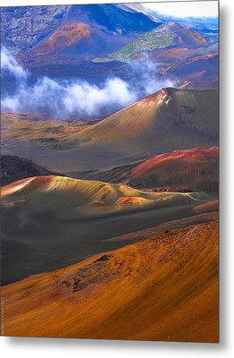 Metal Print featuring the photograph Volcanic Crater In Maui by Debbie Karnes