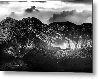 Metal Print featuring the photograph Volcano by Hayato Matsumoto