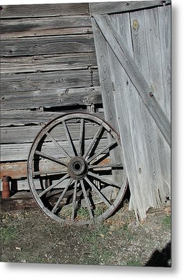 Metal Print featuring the photograph Wagon Wheel by Nancy Taylor