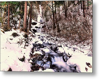 Metal Print featuring the photograph Wahkeena Falls In Ice by Jeff Swan