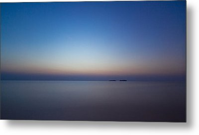 Waiting For A New Day Metal Print by Andreas Levi