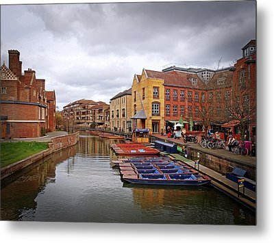 Metal Print featuring the photograph Waiting For The Tourists Cambridge by Gill Billington