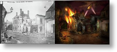 Metal Print featuring the photograph War - Wwi -  Not Fit For Man Or Beast 1910 - Side By Side by Mike Savad