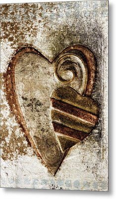 Warm Love Metal Heart Metal Print by Carol Leigh