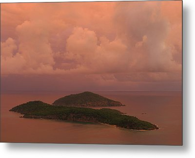 Metal Print featuring the photograph Warm Sunset Palette Of Inner And Outer Brass Islands From St. Thomas by Jetson Nguyen