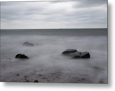 Metal Print featuring the photograph Washing Over The Beach by Andrew Pacheco