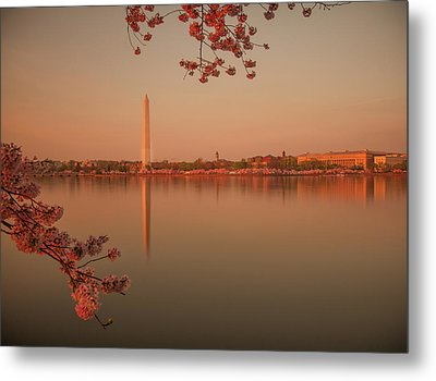 Washington Monument Metal Print by Adettara Photography