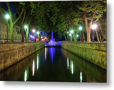 Metal Print featuring the photograph Water Fountain At Night by Scott Carruthers