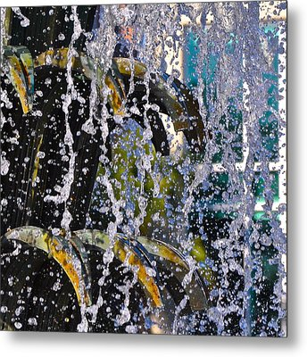 Water Fountain Blue Charleston Sc Metal Print by Lori Kesten