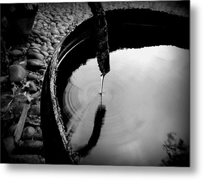 Water Rings Metal Print