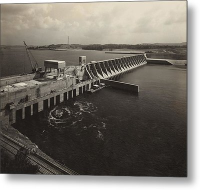 Watts Bar Dam On The Tennessee River Metal Print by Everett