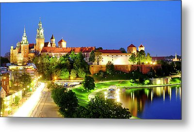 Metal Print featuring the photograph Wavel Castle by Fabrizio Troiani