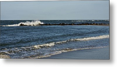 Metal Print featuring the photograph Waves by Sandy Keeton