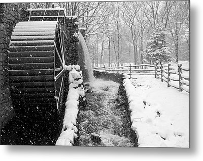 Wayside Inn Grist Mill Covered In Snow Storm Side View Black And White Metal Print by Toby McGuire