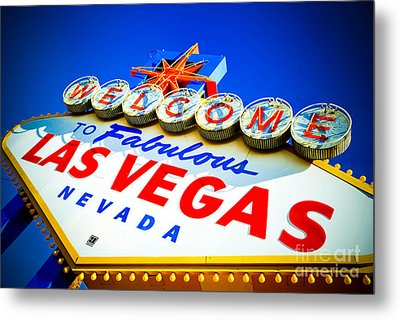 Welcome To Las Vegas Sign Metal Print by Amy Cicconi
