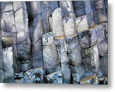 Metal Print featuring the photograph Wet Rocks 2 by Hitendra SINKAR