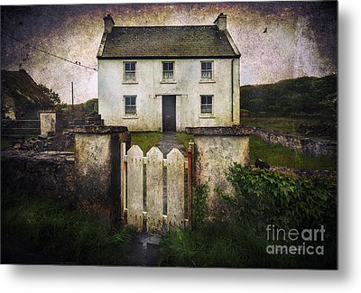 Metal Print featuring the photograph White House Of Aran Island by Craig J Satterlee