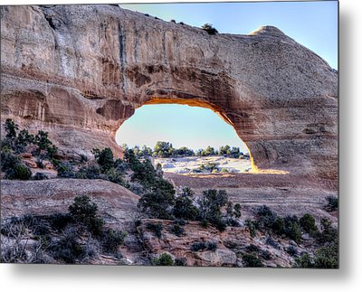 Metal Print featuring the photograph Wilson Arch In The Morning by Alan Toepfer