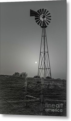 Metal Print featuring the photograph Windmill At Dawn by Robert Frederick