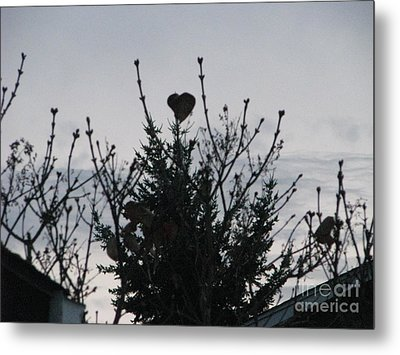 Winter Heart On Lilac Metal Print by Judyann Matthews