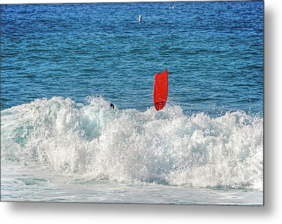 Metal Print featuring the photograph Wipe Out by David Lawson