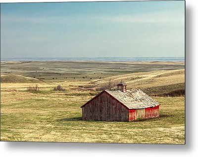 Withering Barn Metal Print by Todd Klassy