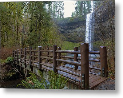 Wood Bridge At Silver Falls State Park Metal Print