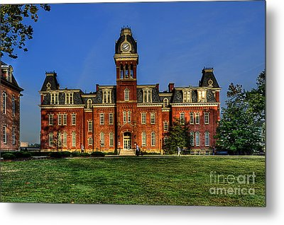 Woodburn Hall In Morning Metal Print by Dan Friend