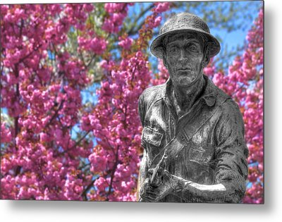 Metal Print featuring the photograph World War I Buddy Monument Statue by Shelley Neff