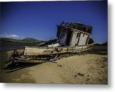 Wrecked On A Sand Bar Metal Print by Garry Gay