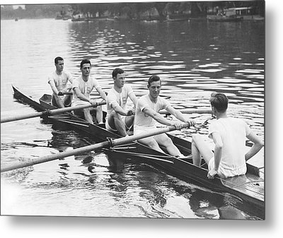 Yanks And Brits Race On Thames Metal Print by Underwood Archives