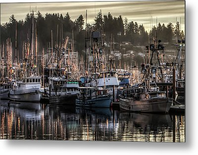 Metal Print featuring the photograph Yaquina Bay Boat Basin At Dawn by Thom Zehrfeld