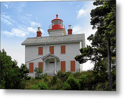 Yaquina Lighthouses - Yaquina Bay Lighthouse Oregon Metal Print by Christine Till