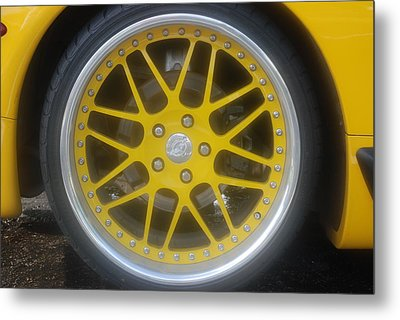 Yellow Vette Wheel Metal Print by Rob Hans