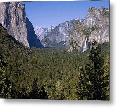Yosemite Tunnel View Metal Print by Stephen  Vecchiotti