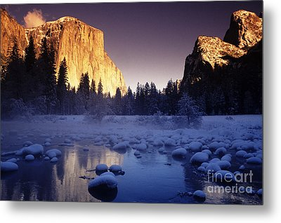 Yosemite Valley Sunset Metal Print by Michael Howell - Printscapes