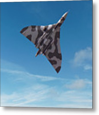 Avro Vulcan -1 Metal Print by Paul Gulliver