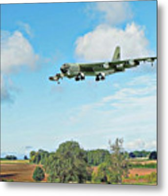 B52 Stratofortress -2 Metal Print by Paul Gulliver