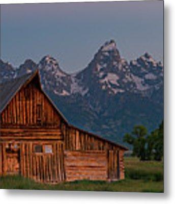 Barn On Mormon Row Metal Print by Gary Lengyel